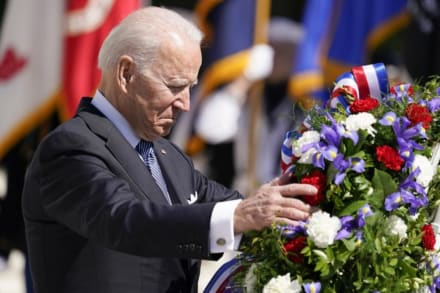 Biden se derrumba en pleno Memorial Day y arremete contra Trump