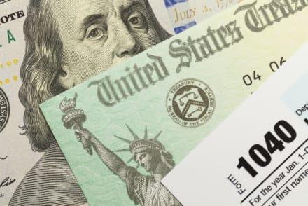 ¡Hasta $20,400 dólares! Reembolsos del IRS se están enviando en este momento