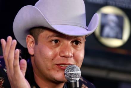 ¿A la cárcel? Tras presunta golpiza a su primo y una mujer, emiten orden de arresto al cantante Remmy Valenzuela