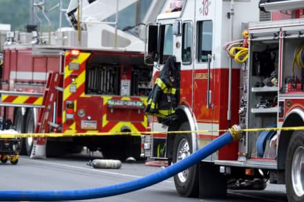 Tras tiroteo, fuerte incendio consume tres casas en Pensilvania