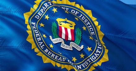 El director del FBI desconoce si Trump es investigado por motín al Capitolio