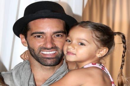 Toni Costa se consuela con portada con Alaïa y se prepara para su primer Día del Padre solo