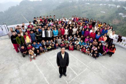 Curioso: Muere hombre con la familia más grande del mundo, con 34 esposas y 94 hijos