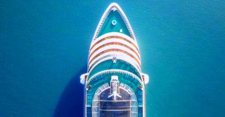 Royal Caribbean pospone crucero en EEUU por covid-19 en su tripulación