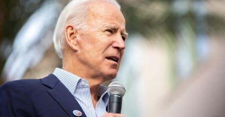 """LULAC: Biden debe parar """"insurrección"""" de estados que envían tropas a Texas"""