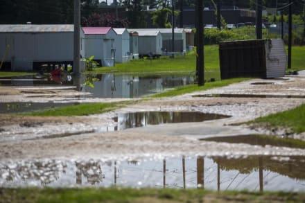 Asciende a 13 la cifra de muertos por tormenta Claudette mientras peligroso tornado toca tierra