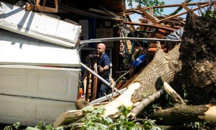 Poderoso tornado deja heridos y casas dañadas en Chicago