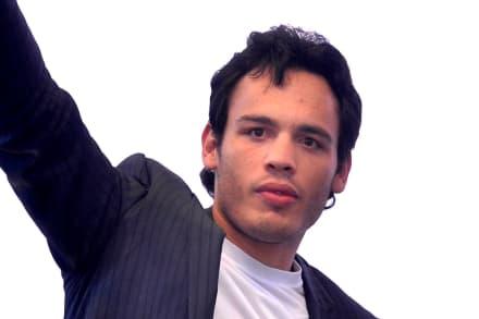 Julio César Chávez Jr asegura que Cepillín está vivo