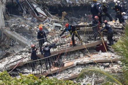 Hallan mensaje de mujer cubana entre escombros de edificio de Miami