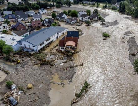Inundaciones en Europa dejan más de 100 muertos y miles de desaparecidos