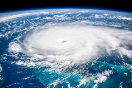 El huracán Felicia toma fuerza