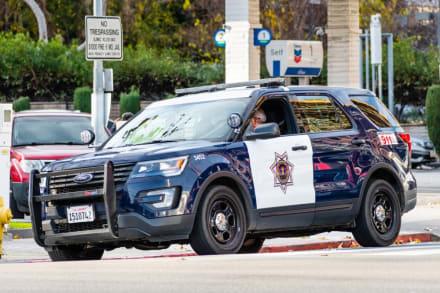 Grabaron angustiante asalto en estacionamiento de centro comercial y la policía busca a los delincuentes