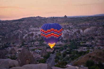 Muere legendario piloto de globos aerostáticos tras caerse de una considerable altura