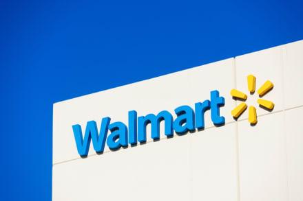 Asalto en Walmart: buscan a tres sospechosos por robo armado