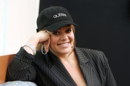 Critican a Pedro Rivera por sacar a la venta leggins con la cara de Jenni (FOTOS)