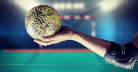 Pink respalda equipo de handball de playa sobre ropa sexista