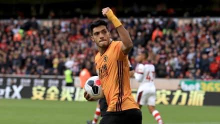 Jiménez vuelve anotar con los Wolves en su recuperación