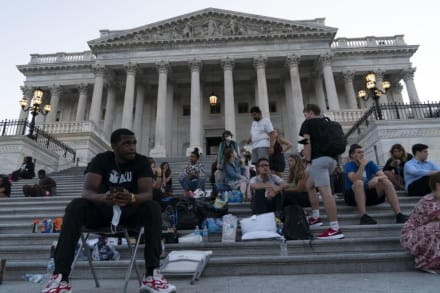 Casa Blanca dice que CDC no pueden detener desalojos