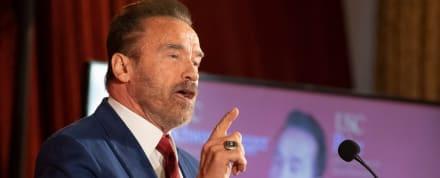 Arnold Schwarzenegger estalla contra los anti mascarillas