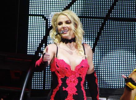 A días de liberarse de la tutela de su padre, Britney Spears 'decepciona' apareciendo desnuda (FOTOS)