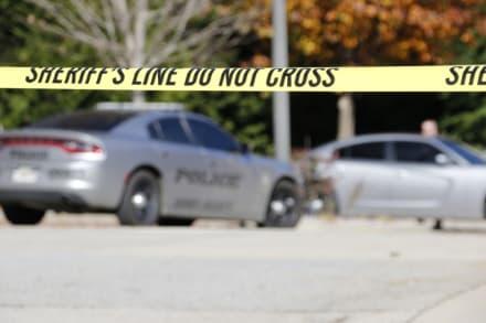Tiroteo en un estacionamiento en Atlanta deja tres muertos