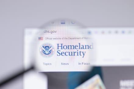 Revelan cómo le quitarían ciudadanía a hispanos