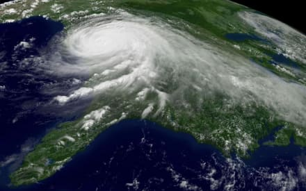 Huracán Ida, ya en categoría 4, amenaza con vientos de 240 km/h y es uno de los más peligrosos en décadas