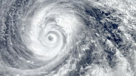 Onda tropical amenaza con convertirse en tormenta en el Golfo de México