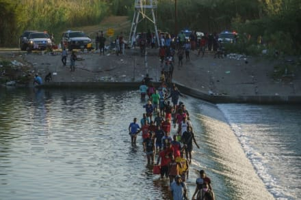 DHS revela plan para deportar a miles de indocumentados y aceleran el proceso
