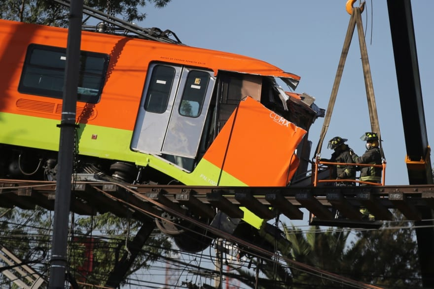 Joe Biden ofrece ayuda a México tras accidente del metro