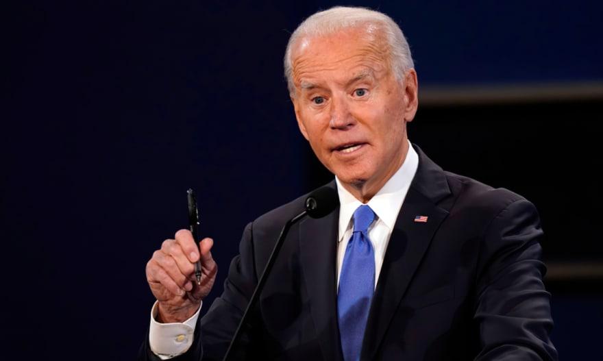 ¿Cuarto cheque o más trabajo? Biden espera fortalecer la economía de EEUU
