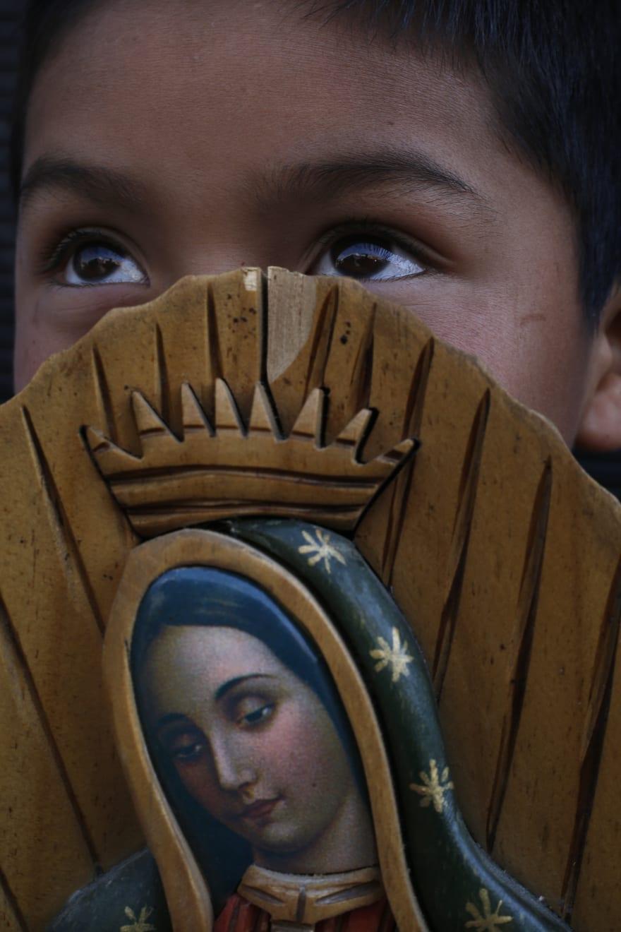 Fanática religiosa ataca por segunda vez imagen de la Virgen de Guadalupe