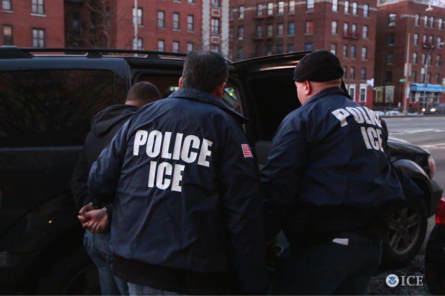 ICE lanza redada en restaurante mexicano y arresta a cinco trabajadores