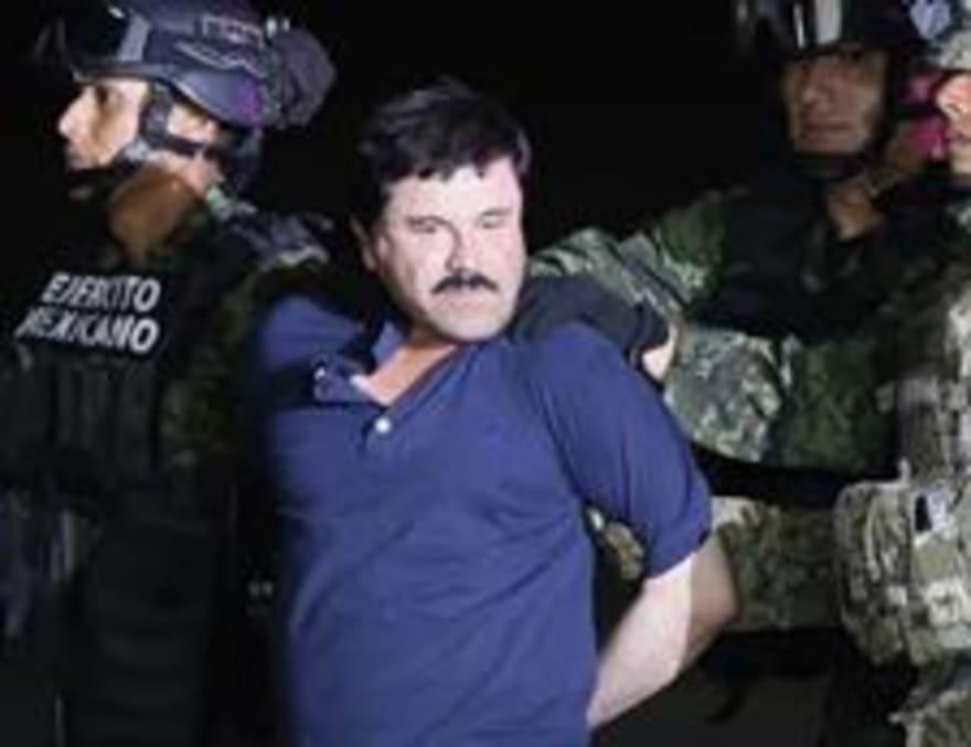 """En pleno juicio contra """"El Chapo"""", su esposa le hace una promesa"""