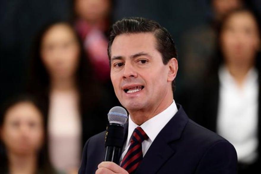 Enrique Peña Nieto genera preocupación al aparecer con herida en el rostro