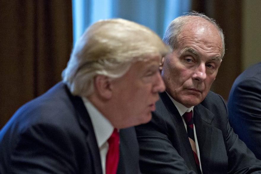Trump anuncia la salida a fin de año de su jefe de gabinete