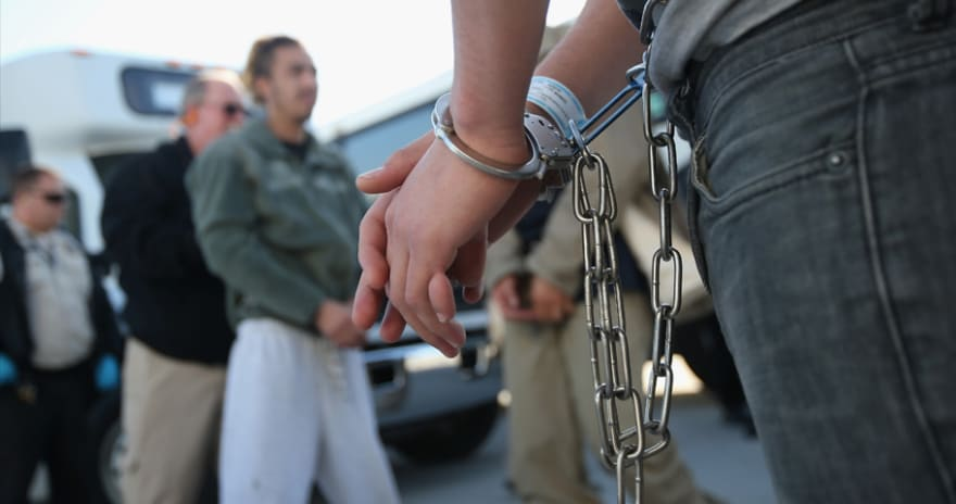 ¿Qué hacer si estás por ser deportado y cómo apelar por un perdón?