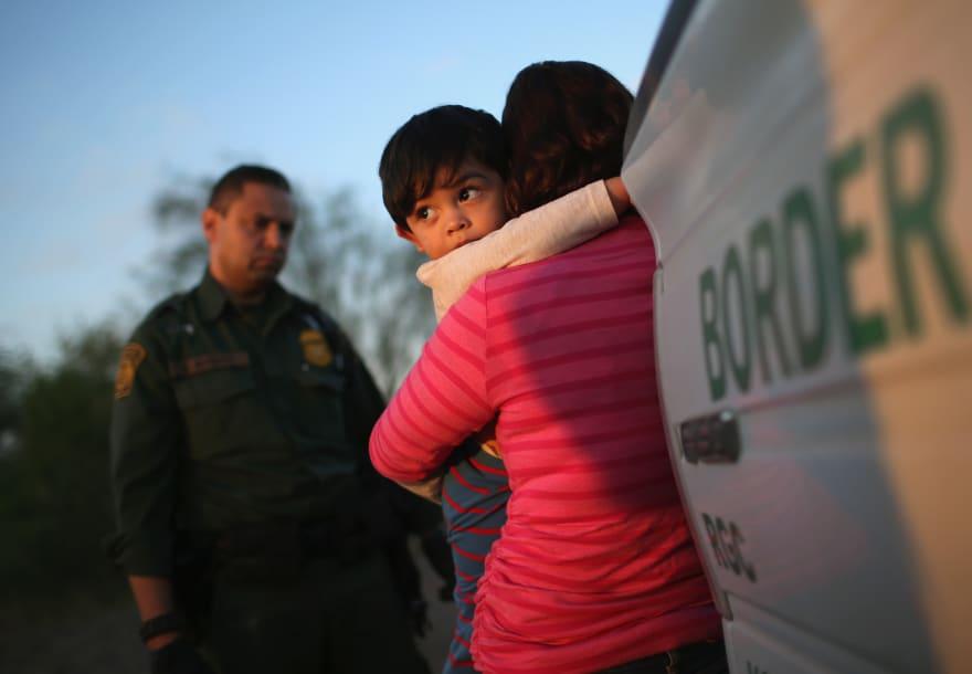 Trump implementará un plan para detener a familias migrantes por más tiempo