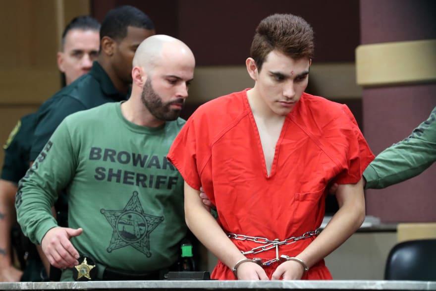 Segundo sobreviviente de la matanza en secundaria de Florida se quita la vida