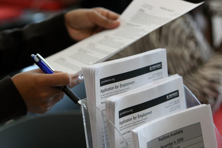 Suben a 742,000 las solicitudes semanales de subsidio por desempleo