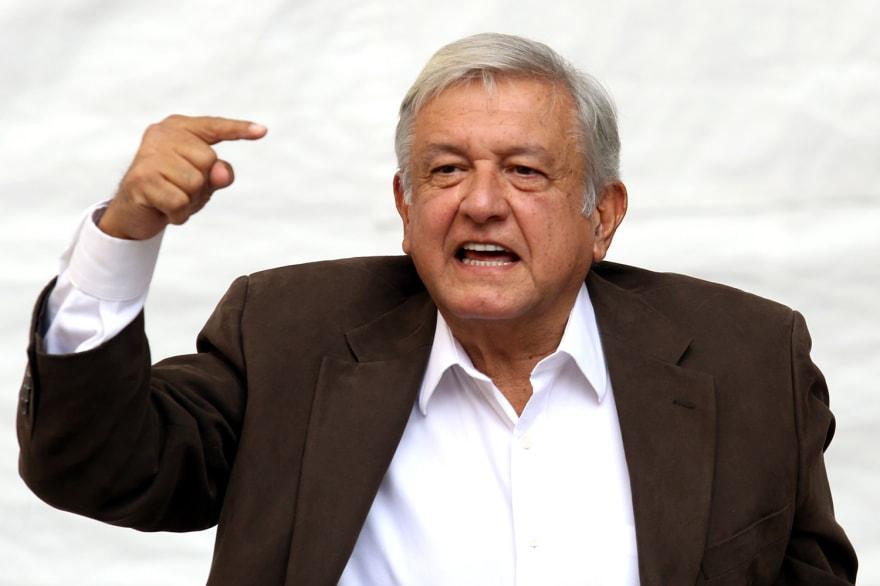 AMLO critica a la Suprema Corte de México por ley de salarios