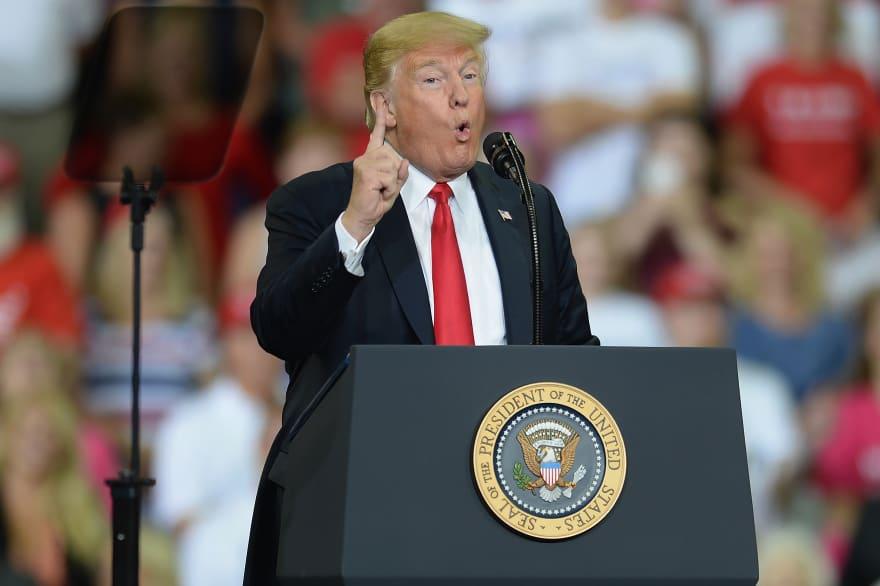 Trump amenaza con 267,000 millones de dólares más en aranceles a China