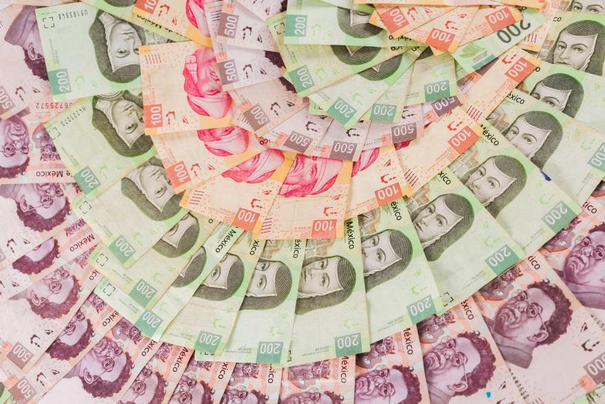 ¿A cuánto está el cambio del dólar al peso el 28 de noviembre y por qué?