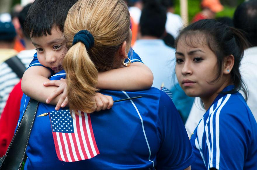 Cómo no perder los derechos de padre ante una deportación