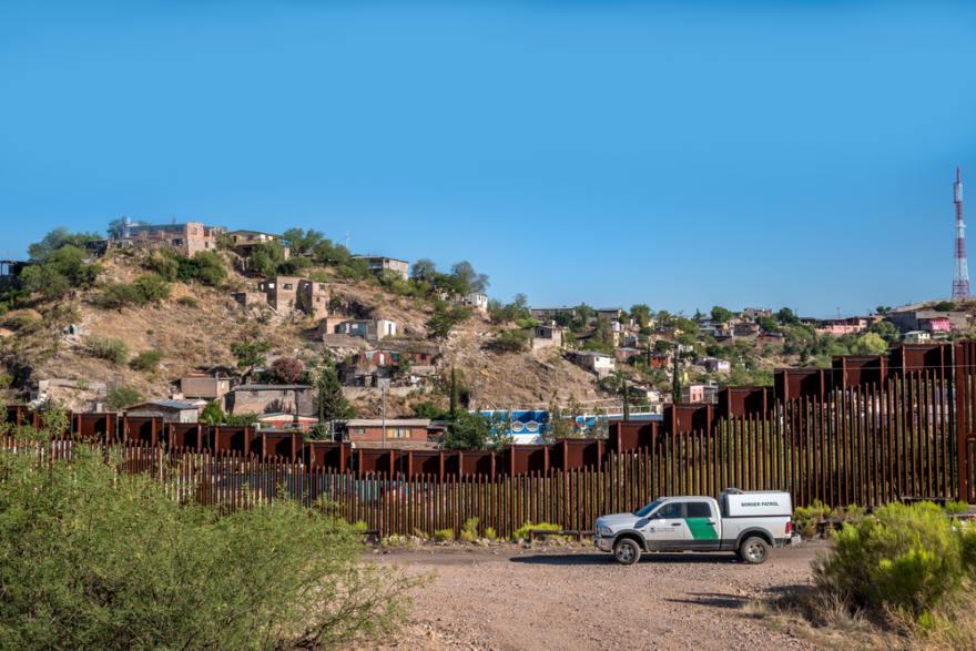 Inminente pugna política en EE.UU. por muro fronterizo de Trump