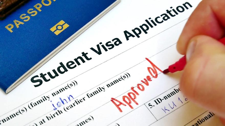 ¿Cómo solicito una visa de estudiante en Estados Unidos?