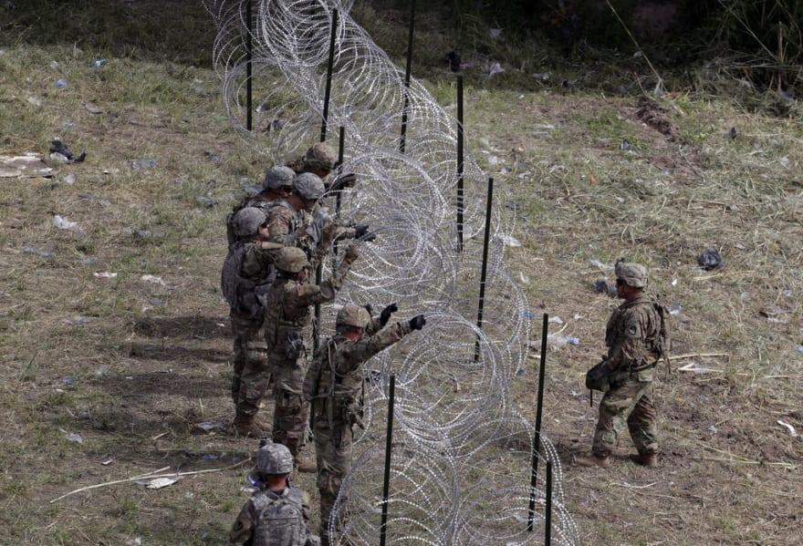 Ya hay 5,600 militares en la frontera para frenar caravanas, dice el Pentágono