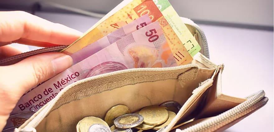 ¿A cuánto está el cambio del dólar a peso mexicano el 12 de diciembre y por qué?