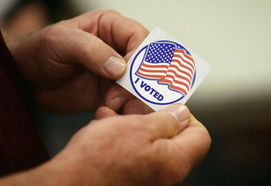 """Inmigrante votó tres veces con una """"green card"""""""