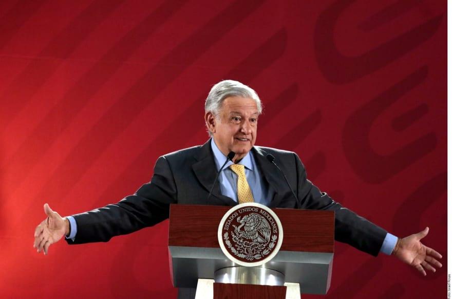 Acción del gobierno de AMLO contra diario Reforma revive temores de muchos mexicanos